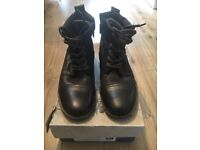 Men's size 7 brown boots
