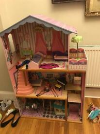 Large wooden dolls house must go asap