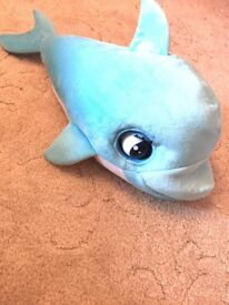 Blu blu baby dolphin. Makes sounds and sleeps!