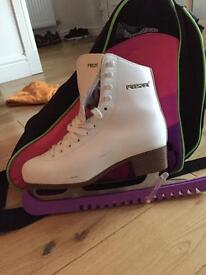Ladies Size 5 Freesport Ice Skates With Guards and Skate Bag