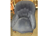 Delightful Antique Victorian Buttoned Back Occasional Accent Bedroom Lounge Chair