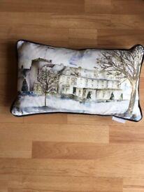 Gleneagles Christmas cushion