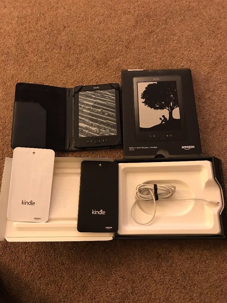 Kindle e-reader wifi with charger and box