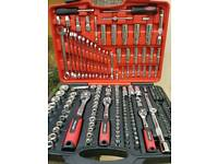 HEILSON SOCKET SET