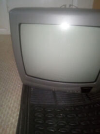 sanyo 14 inch tv ideal for playing games on
