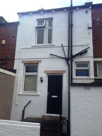 2 Bed property to rent in Cleckheaton