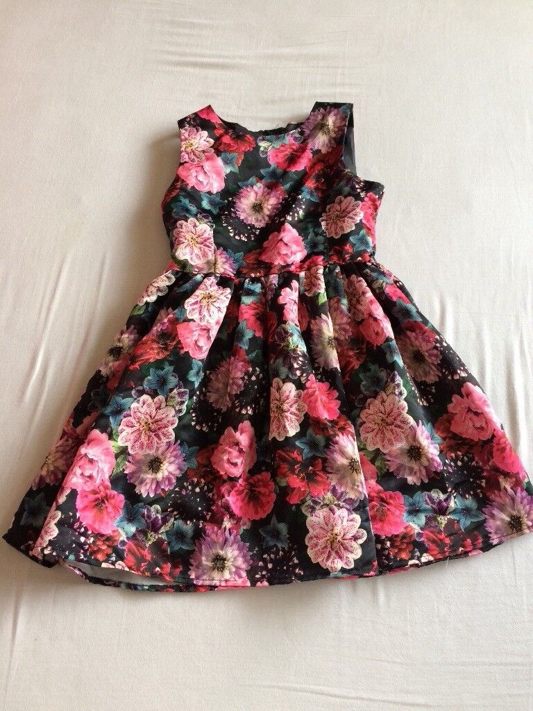 Girls floral dress age 8-9