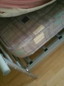 Metal bed frame + mattress