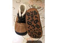 Baby unisex shoes size 5