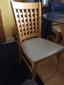 Lovely glass table and chairs