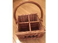 Bottle wine basket