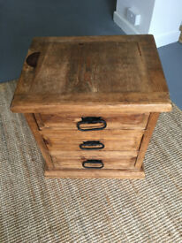 Bedside chest of drawers / cabinet / table