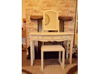 SHABBY CHIC DRESSING TABLE WITH MIRROR & STOOL PAINTED IN ANNIE SLOAN OLD OCHRE (CREAM)