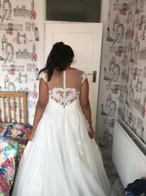 Wedding dress size 14 *HARROW*