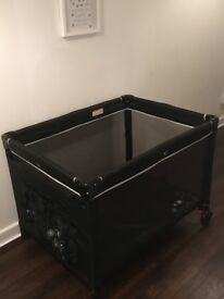Travel Cot - big and sturdy with travel bag
