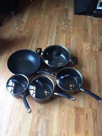 Set of 4 saucepans and a wok great set £15.00