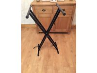 Piano stand