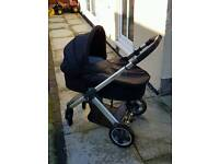 BabyStyle Oyster carry cot and pushchair