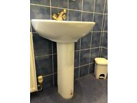 White bathroom pedestal sink with gold tap great condition