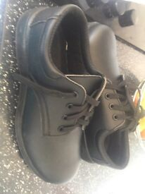 Mens safety shoes size 8 new in box Airdrie £8