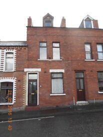 House to rent - 28 Rathlin Street, North Belfast 4 Bedrooms terrace