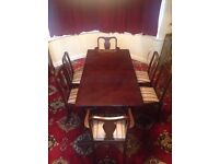 Mahogany Dining Room Table & 6 Cushioned Chairs (Incl 2 Carvers)