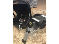 Maxi Cosi new born car seat and Isofix. Including newborn insert, raincover and sunscreen £45