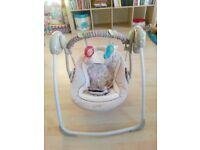 Bright Starts / Ingenuity Cozy Kingdom Portable Swing