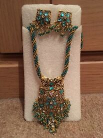 Indian style necklace set