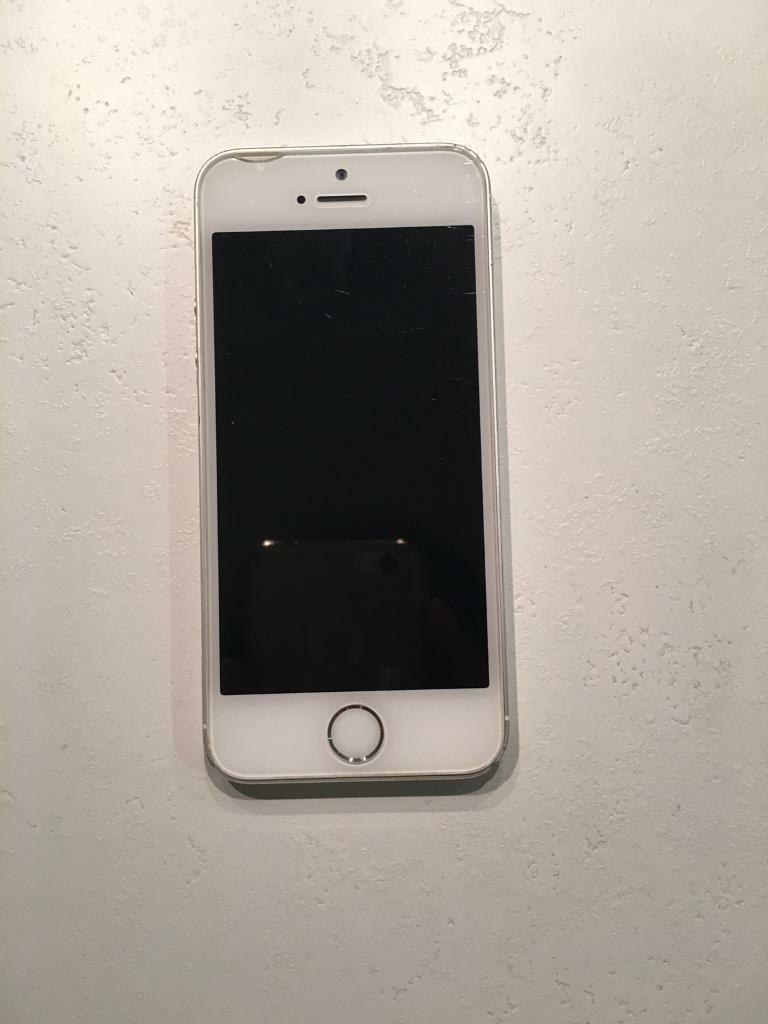 iPhone 5s silver 16GB Unlockedin Southwark, LondonGumtree - IPhone 5s silver white 16GB Unlocked is in good working condition. Has use marks and dent on the bottom right corner as seen in the picture. Screen slightly cracked on the upper left corner as seen in the picture. Contact by mail or text