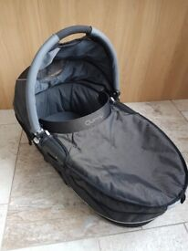 Quinny Buzz Carrycot Black - Excellent Condition