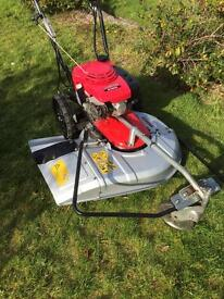 Honda UM616 Commecial petrol self propelled lawnmower hydrostatic for long rough grass great mower