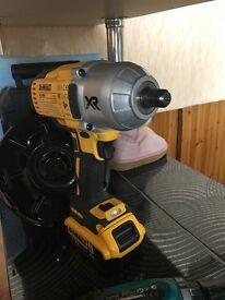 Laser Dewalt 088k 110 paunds new.