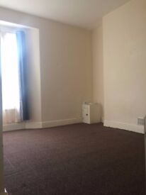 Spacious 3 Bed Flat - £675