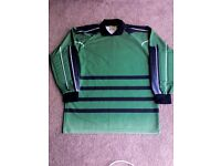 Man's goal keeper shirt size (L) new. £5.00