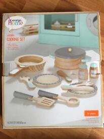 Children's wooden cooking set