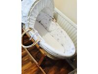 Moses basket with stand and fitted sheets