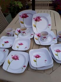16pc Dining set/picnic/camping
