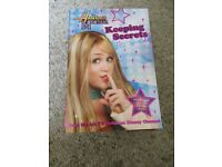 Set of 8 Hannah Montana Books-excellent condition