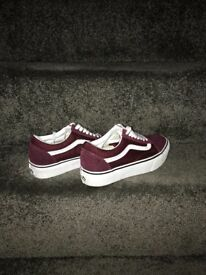 Vans trainers old skool platform burgundy. Size 6