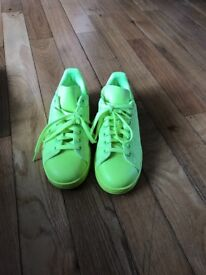Bright green 6-1/2 Stan smiths Adidas