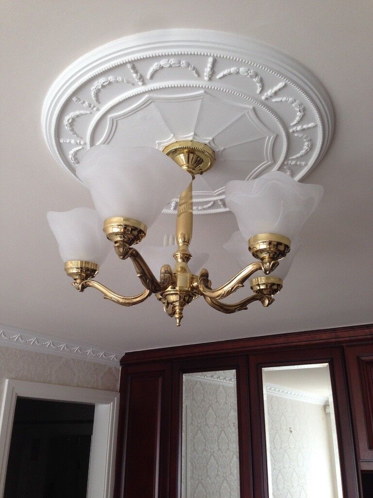 Traditional 5 Arm Gold Light Fitting with White Mottled/Marbled Glass Shades