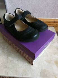 Girls black leather Clarks school shoes 11.5F