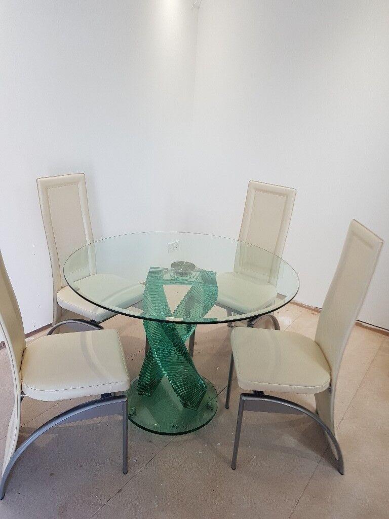 Strange Glass Cut Twisting Dining Table With 4 Cream High Back Chairs Very Modern In Cowdenbeath Fife Gumtree Uwap Interior Chair Design Uwaporg