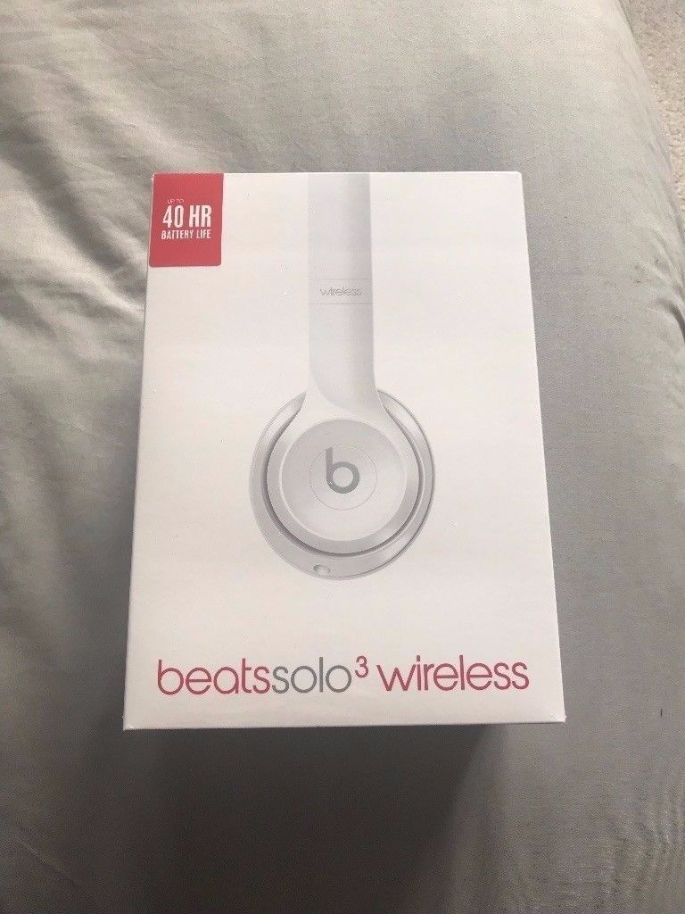 Brand New £250RRP Beats by Dr. Dre Solo3 Wireless On-Ear Headphones - Gloss White £180 ONO