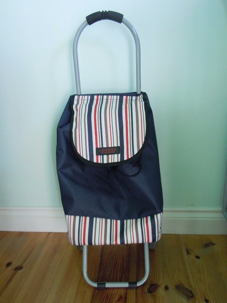 PULL-ALONG SHOPPING TROLLEY/SHOPPING BAG ON WHEELS LIGHT-WEIGHT NAVY BLUE GD CONDITION