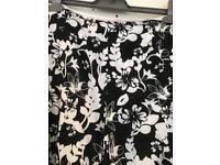 Skirt black white size 12