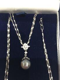 Ladies Pearl & Diamond 18 Carat White Gold Pendant Necklace