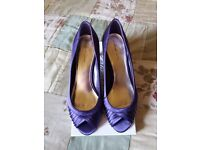 Purple Roland Cartier shoes. Size 40 with matching debut clutch bag
