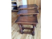 Mellow Craft solid oak nest of tables